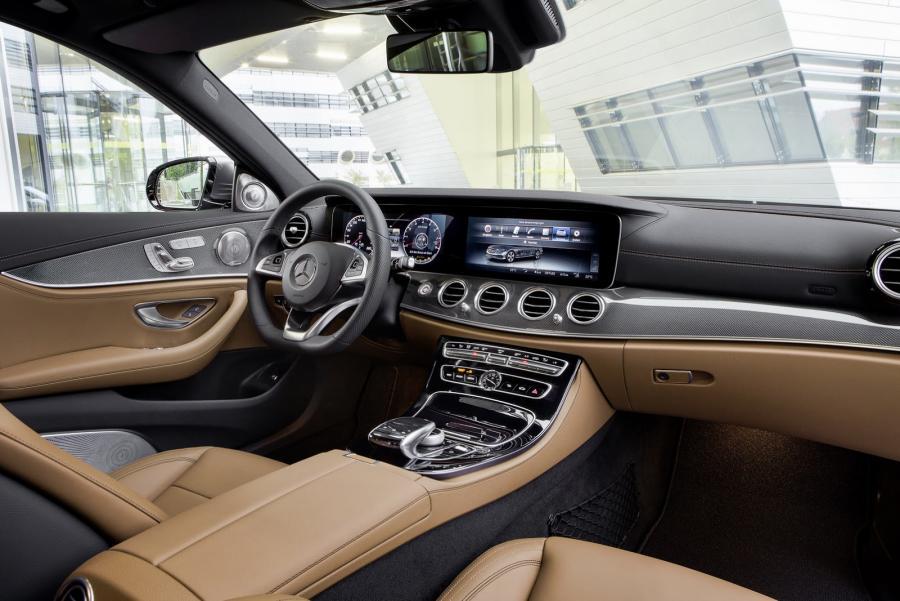 2016-Mercedes-E-Class-E-400-interior.jpg