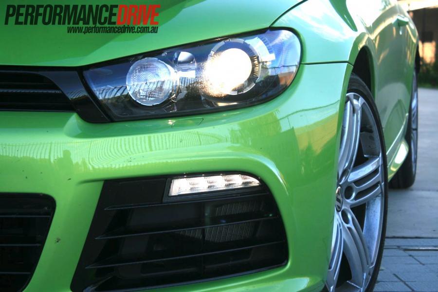 2012-Volkswagen-Scirocco-R-headlight.jpg