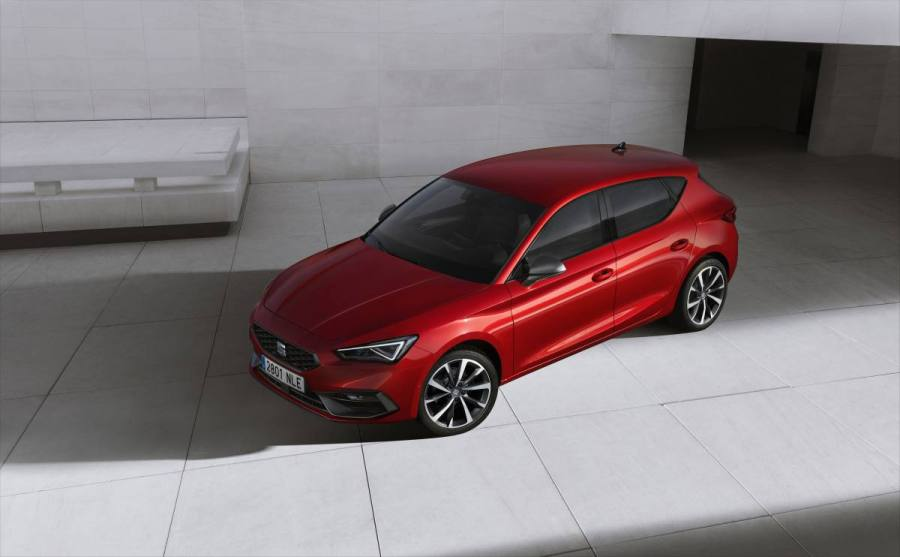 SEAT-launches-the-all-new-SEAT-Leon_01_HQ.jpg