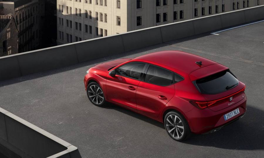 SEAT-launches-the-all-new-SEAT-Leon_04_HQ.jpg