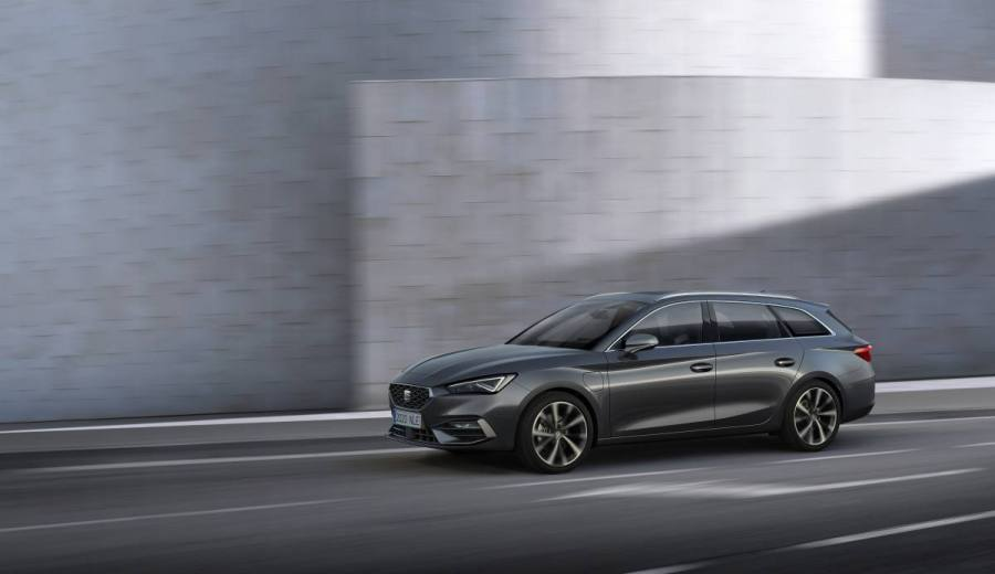 SEAT-launches-the-all-new-SEAT-Leon_05_HQ.jpg